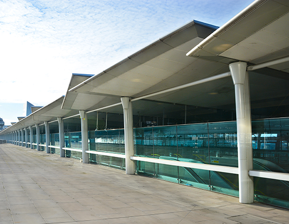 specialist laminated glass for infrastructure in terminal building